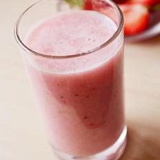 草莓椰汁的做法