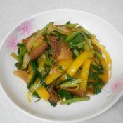 五花肉炒黄椒