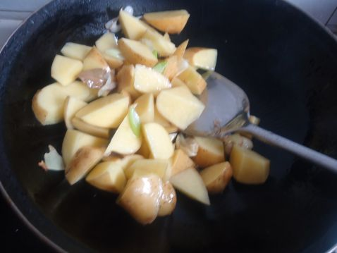 豆腐鱼丸炖土豆bm.jpg