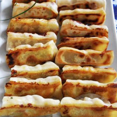 鲜虾锅贴的做法
