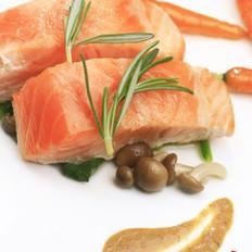 香煎胡萝卜三文鱼的做法