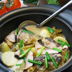 泡菜芋儿鱼头煲的做法