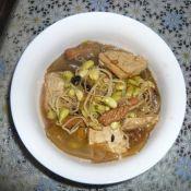 黑豆芽炖豆腐