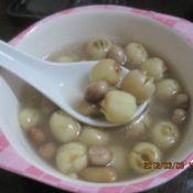 花生莲子汤的做法