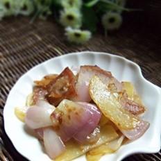 土豆洋葱炒腊肉的做法