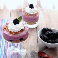 黑莓芝士蛋糕杯