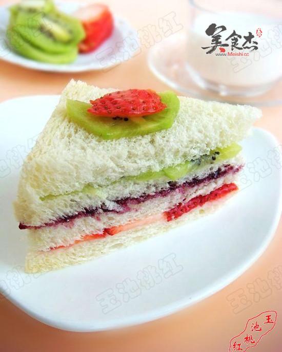 吐司水果三明治nC.jpg