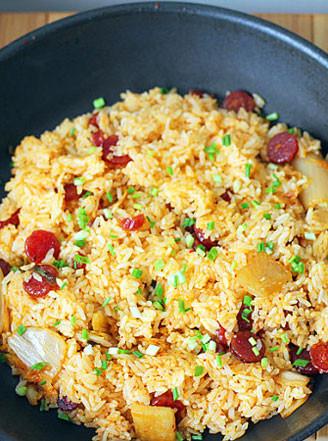 韩国泡菜香肠炒饭的做法