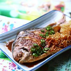 银耳炆鲳鱼
