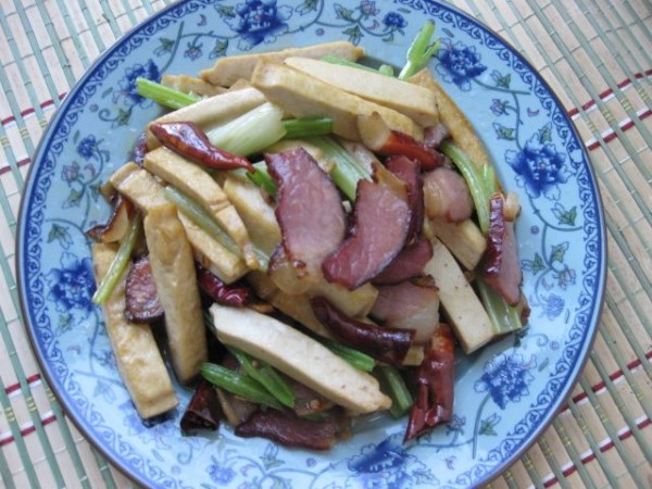 【图】豆腐干炒腊肉_豆腐干炒手柄的做法,视频制作腊肉图片