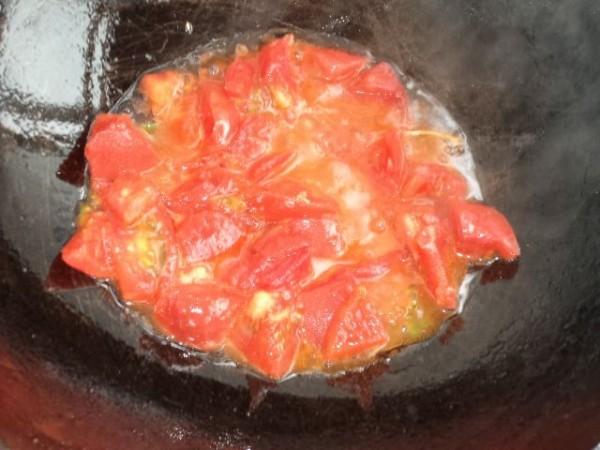 西红柿鸡蛋挂面汤yR.jpg