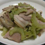 苦瓜蘑菇炒肉片的做法