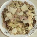 川白肉炖酸菜的做法