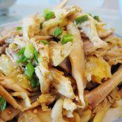 沙姜盐焗手撕鸡的做法