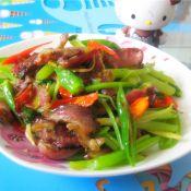 干牛肉炒芹菜的做法