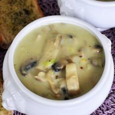 蘑菇牛奶浓汤