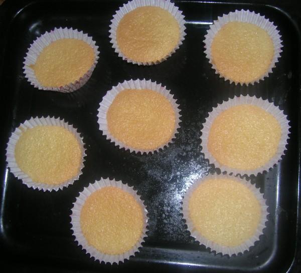小纸杯蛋糕的做法【步骤图】_菜谱_美食杰