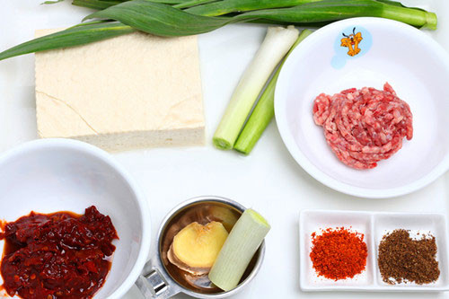 """如何利用豆腐做一桌""""豆腐宴"""""""