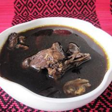 红枣四物鸡汤的做法