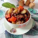 红萝卜土豆焖牛腩的做法