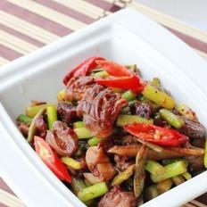 蒜苗酸豇豆爆雞雜的做法