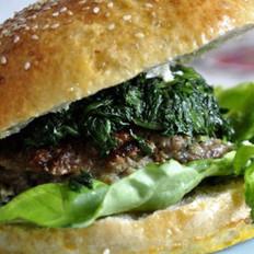 巨无霸葱香牛肉汉堡的做法