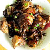 干锅排骨蘑菇的做法