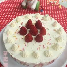 草莓慕斯奶油蛋糕的做法