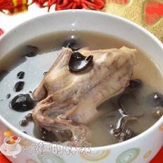 木耳鸽子汤