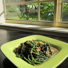 咸虾酱蒜蓉炒番薯叶的做法