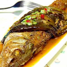 蒜酱长茄烧江鱼的做法
