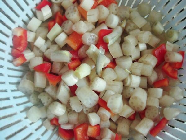 清炒藕带丁的做法