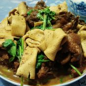 豆腐皮烧鸡块的做法