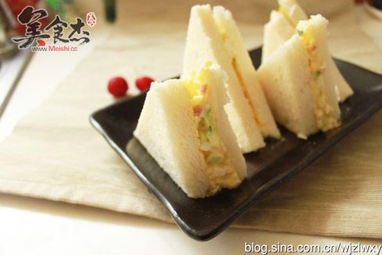 鸡蛋三明治的做法【步骤图】_菜谱_美食杰