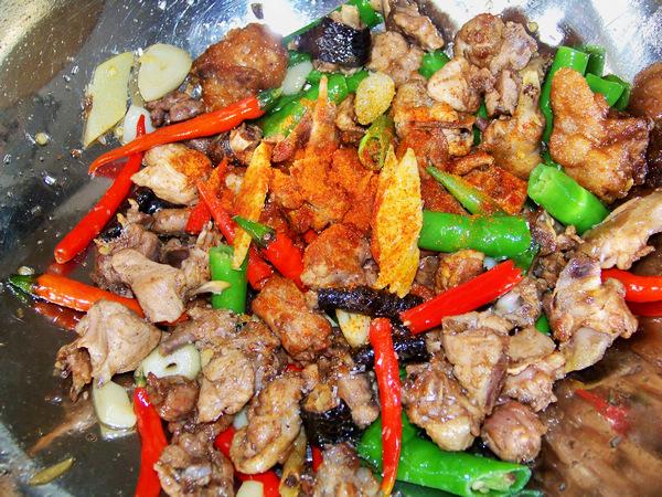 鲜椒炒鸡的做法 菜谱