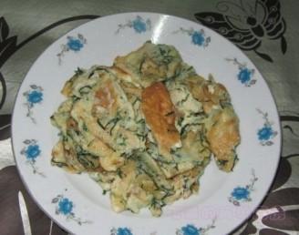 野葱虾皮炒蛋的做法