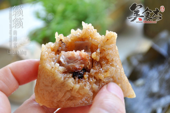 绿豆花生鲜肉粽