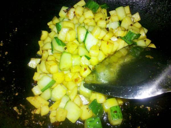 土豆炒黄瓜丁pb.jpg