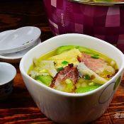 珍菇豆腐泡腊肉煲