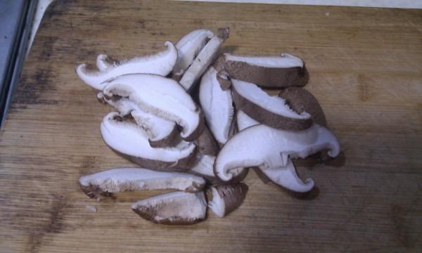 视频 香菇/将香菇切片
