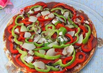 腊肉火腿披萨的做法