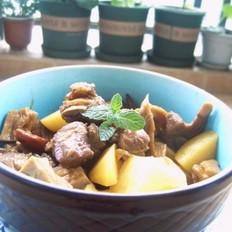土豆笋子烧排骨的做法