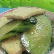 清炒虾糕黄瓜
