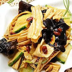 酱炒腐竹的做法
