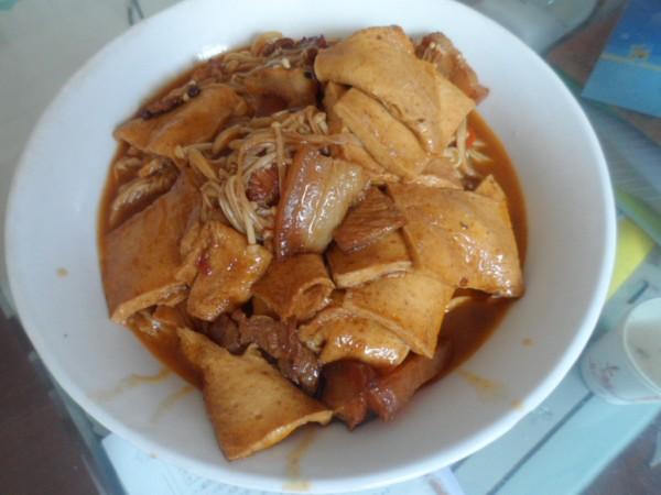 千叶豆腐金针菇烩回锅肉的做法图片