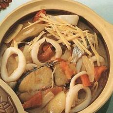 鲜鱿鲛鱼茄汁煲