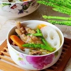 芦笋莲藕炖鸡块的做法