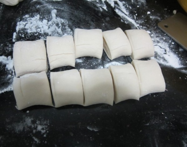 榴莲包子的做法【步骤图】_菜谱_美食杰