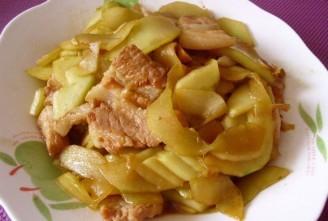 旱黄瓜炒五花肉的做法