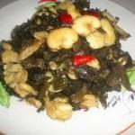 雪菜炒蚕豆瓣的做法